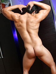 Latin bodybuilder Angelo first adult set