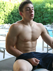 Straight college jock shows his muscled body