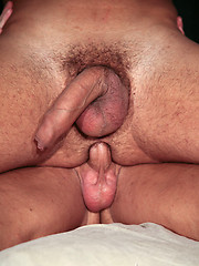 Two muscled hunks anal and oral scene