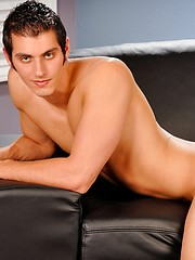 Sporty college stud showing his naked body
