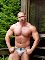Bodybuilder naked