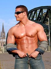 Roberto Castellano posing outdoors