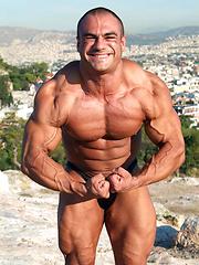 Dimitris Anastasakis, bodybuilder outdoors