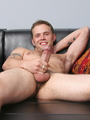 Str8 guy Jake Wolfe jacking off his fat cock