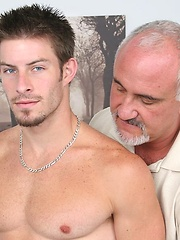 Mike Roberts Serviced by Jake
