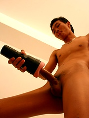 Thai guy Yai & His Huge Cock