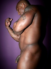 Big muscled man naked