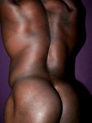 Big muscled man naked