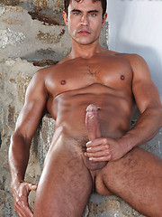Marco Sessions Gives His Ass to Rafael Carreras