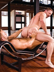 Tom Wolfe and Shay Michaels in hot anal action