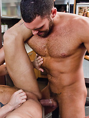Rod Daily rides Vito Gallo cock