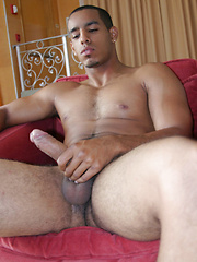 Joey a sporty dude who likes to play dirty