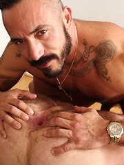 Watching real life lovers fuck is always hot.Alessio Romero and Rogue Status