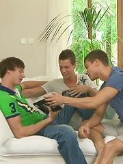 Julien Hussey, Erik Bouna & Paul Mekas
