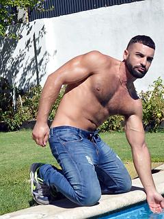ga porn model Abraham Al Malek